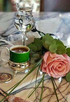 "Coffe with rose pink So beauty""Queen Coffee Gif, I Love Coffee, Coffee Break, My Coffee, Coffee Shop, Coffee Cups, Coffee Lovers, Chocolates, Good Morning Coffee"