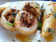 Calamares rellenos de gambas - Calamari ripieni di gamberi - Receta calamares rellenos en salsa de tomate - Italian stuffed squid in tomato sauce