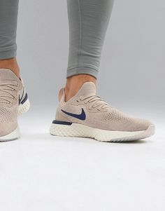 best cheap 0d7f4 478b4 Nike Running Epic React Flyknit trainers in beige – She s Buy Formateurs  Hommes, Chaussures De