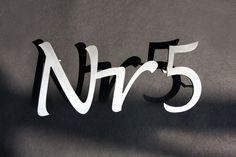 Hausnummer aus 3 mm  Edelstahl gelasert