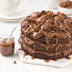 Gateau Choco Caramel, Caramel Brownies, Sauce Au Caramel, Easy Desserts, Delicious Desserts, Cake Recipes, Dessert Recipes, Glaze For Cake, Funny Cake