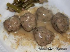 Meatballs And Gravy, Crock Pot Meatballs, Pork Meatballs, Fun Cooking, Cooking Tips, Cooking Recipes, Beef Dishes, Food Dishes, Main Dishes
