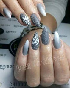 Winter nails grey nail design Christmas nail art design Nails NailArt Nai n gel Winter Nails Colors 2019, Winter Nail Art, Nail Colors, Grey Nail Designs, Winter Nail Designs, Nails Kylie Jenner, Nail Art Noel, Nagellack Trends, Gray Nails