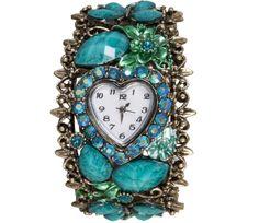 #horloge #bijzonder #zilverkleurig #zilver #kleurig #blauw #stenen #hart #hartvormige #wijzerplaat Bijzonder zilverkleurig horloge voorzien van blauwe stenen en hartvormige wijzerplaat. www.damestic.nl / www.facebook.com/DamesTic