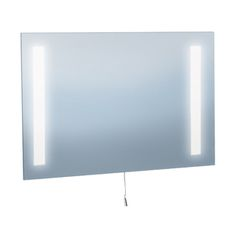 #Rectangularmirror with #halogenlamps offers the perfect accent to your #bathroom that provides both comfort and style. It will set a grace statement and coordinates well with your mood.
