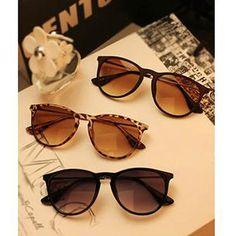 508be06e9 Compre Óculos de Sol Retrô Vintage - Preto/Marrom/Leopardo com ótimo preço,  bom atendimento e troca grátis. Frete grátis a partir de Confira!
