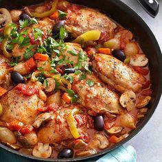 Pulpe de pui cu sos si masline este o reteta culinara foarte gustoasa ce imbina cu succes aromele rosiilor, usturoiului, cepei cu savoarea pulpelor de pui. Meat Recipes, Healthy Dinner Recipes, Indian Food Recipes, Chicken Recipes, Cooking Recipes, Vegan Meal Prep, Mediterranean Recipes, Soul Food, Food To Make