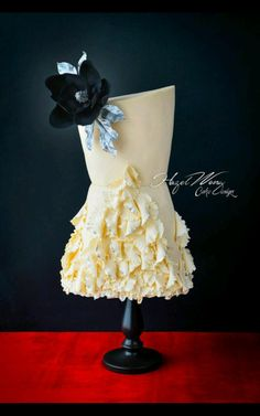Gucci Fashion Inspired Cake  - Cake by Hazel Wong Cake Design