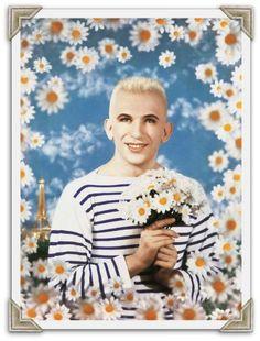 Jean Paul Gaultier en tricot rayé par les artistes Pierre et Gilles / Gaultier in a breton stripe sweater by artists Pierre & Gilles - via missretrochic.com