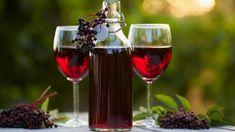 Domáce víno z bazy čiernej   Recepty.sk Red Wine, Ale, Alcoholic Drinks, Cooking, Glass, Food, Kitchen, Drinkware, Ale Beer