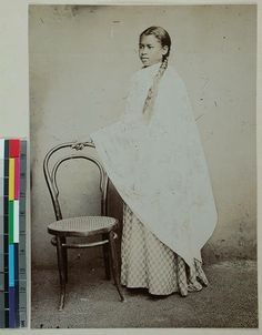 Young Hova woman wearing a lamba, Madagascar, [s.d.] :: International Mission Photography Archive, ca.1860-ca.1960