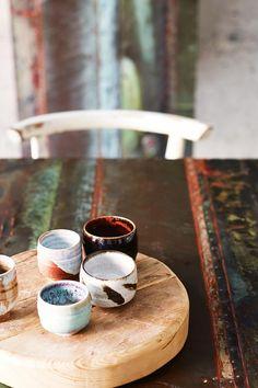 Ceramics : a paper aeroplane - Dear Art Ceramic Pottery, Ceramic Art, Ceramic Mugs, Ceramic Bowls, Rustic Italian, Terracota, Tea Bowls, Tea Ceremony, Elle Decor