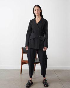 写真1/28|スタジオ ニコルソン(STUDIO NICHOLSON) 2020年夏 ウィメンズ コレクション - ファッションプレス Modular Wardrobes, Studio Nicholson, Savile Row, Normcore, Product Launch, Classy, Unisex, Paris, Elegant