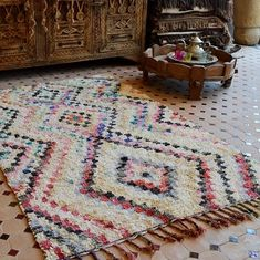 Such a sweet spirited Boucherouite carpet. Constructed with a light background enlivened with colorful patterns showing lozenges and zigzags. Measures 194 x 126 cm. SOLD