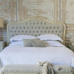 Beautiful, simple and soothing color palette. Headboard the highlight of course