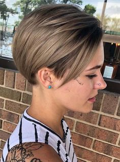 Wanna wear best ever styles of short haircuts to get modern hair looks? As we all know that short hair are easy to wear for every busy and professional lady. So you should definitely visit here for awesome trends of short haircuts according to modern era right now.