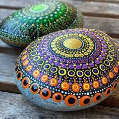 Painted Stone Dandelion Pebbles with Nature Designs floral   Etsy Paint Pens For Rocks, Painted Rocks Craft, Hand Painted Rocks, Painted Stones, Feather Painting, Pebble Painting, Stone Painting, Rock Painting, Pebble Art
