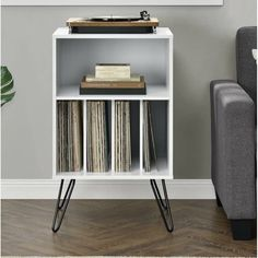 A retro audio rack to organize your record player and vinyl, with an extra little shelf for displaying other personal knickknacks so there will be a happy little corner of things you love in the living room. Record Player Stand, Record Players, Mp3 Player, Vinyl Record Storage, Lp Storage, Vinyl Record Display, Record Decor, Record Table, Audio Rack