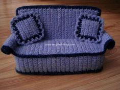 Doll Furniture – Crocheted doll sofa with pillows – a unique product by crochetdollfurniture on DaWanda Crochet Doll Pattern, Easy Crochet Patterns, Crochet Dolls, Crochet Home, Cute Crochet, Crochet Baby, Crochet Furniture, Cat Couch, Accessoires Barbie