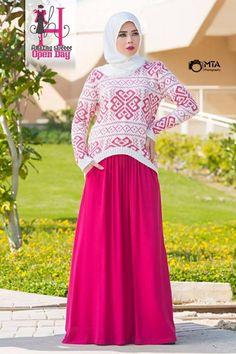 christmas sweater hijab look, Winter hijab designs by amazing Muslim Dress, Hijab Dress, Hijab Outfit, Winter Outfit For Teen Girls, Winter Outfits Women, Curvy Outfits, Modest Outfits, Muslim Fashion, Modest Fashion
