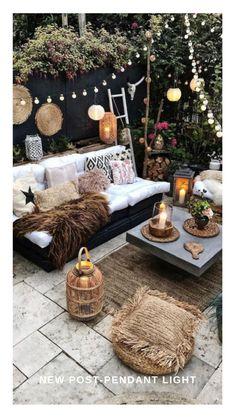 Bohemian Patio, Bohemian Garden Ideas, Boho Garden Party, Boho Dekor, Backyard Patio Designs, Backyard Pools, Backyard Landscaping, Paved Backyard Ideas, Garden Decking Ideas