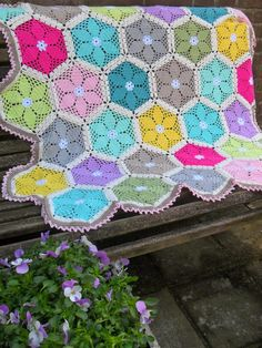 Lente deken (Gem(H)aakt door Marijtje) Crochet Blocks, Granny Square Crochet Pattern, Crochet Granny, Crochet Motif, Crochet Flowers, Crochet Stitches, Knit Crochet, Crochet Patterns, Manta Crochet