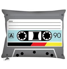 #EspecialRetro: Saca tu lápiz para retroceder la cinta y lanzarte al sueño con el cojín Techno Auditape http://on.fb.me/18iCX8s