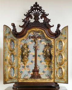 .Believe this reliquary is probably an antique.