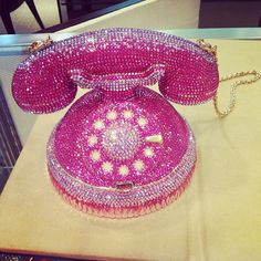 Judith Leiber Telephone Minaudiere Unique Handbags, Unique Purses, Unique Bags, Vintage Handbags, Purses And Handbags, Beaded Clutch, Beaded Purses, Red And Pink, Pretty In Pink