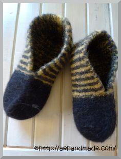 Stickmönster till tovade tossor. Knitting Patterns, Crochet Patterns, Glitter Balloons, Knitting Socks, Diy Crochet, Mittens, Ravelry, Pattern Design, Arts And Crafts