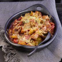 Gulaschauflauf mit Paprika, Tomatensoße und Kloßteig . ca. 1.15 h