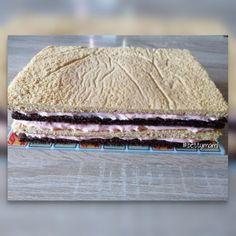 Méteres kalács kocka formában | Betty hobbi konyhája Dessert Recipes, Desserts, Bread, Cookies, Baking, Cake, Sweet, Minden, Food