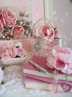 ♥ Shabby chic flowers and jewel Shabby Style, Shabby Chic Mode, Romantic Shabby Chic, Romantic Roses, Shabby Chic Cottage, Shabby Chic Decor, Romantic Cottage, Rustic Decor, Pink Love