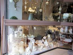Christmas in Provence - window shopping - Ready for a white Christmas in Isle sur la Sorgue