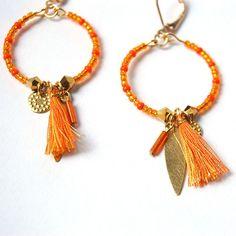Nouveau ! Boucles créoles orange avec sequins et pompons #chamane #chamanebijoux #petitprix #bijoux #bijouxfaitsmain #ideecadeau #faitmain #bijouxfantaisie #boho #boheme #bohemechic #chic #ethnique #ethnic #hippie #handmade #madeinfrance #bohochic #bohostyle #beadsart #beadsjewelry #creoles #pompons