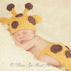 Crochet Baby Giraffe Hat and Diaper Cover Set - Crochet Giraffe - Baby Crochet Hat - Newborn Hat - Photo Prop Más Crochet Baby Cocoon, Crochet Bebe, Newborn Crochet, Crochet Baby Hats, Baby Knitting, Giraffe Crochet, Booties Crochet, Baby Kostüm, Baby Kind