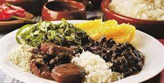 Como fazer feijoada. Feijoada é um prato comum entre os países Lusófonos como Portugal, Brasil, Angola, Cabo Verde, Moçambique. Teve origem em Portugal e, hoje em dia é igualmente popular no Brasil, sendo um dos pratos ma...