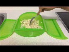 Revuelto atún y calabacín en estuche de vapor Lekue - YouTube Huevos Fritos, Ice Cube Trays, Plastic Cutting Board, Food And Drink, Healthy Eating, Kitchen, Youtube, Menu, Healthy Vegetarian Meals