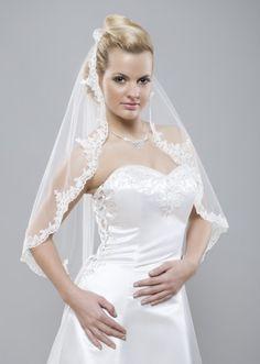 ook online bij www.sarasbridal.nl te bestellen  mooie elegante lange Sluier