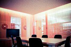 Besprechungsraum open office 1.OG #office #workspace #architecture #interior Open Office, Innsbruck, Soho, Office Workspace, Curtains, Interiors, Architecture, Gallery, Projects
