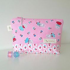Pink #zipperpouch This @elealutz line it's so cute. #milksugarandflower @pennyrosefabrics