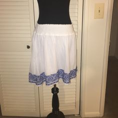 NWOT fully lined gauzy skirt So cute never worn white with blue detail all across bottom- elastic waist Old Navy Skirts Midi