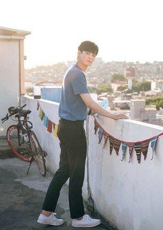 Korean Celebrities, Korean Actors, Cha Eunwoo Astro, K Wallpaper, Kino Film, Kdrama Actors, Handsome Boys, Boyfriend Material, K Idols