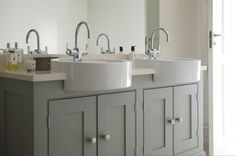 Luxury handmade kitchen cabinetry, painted in Farrow & Ball colours | Quality Time