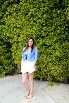 Palm Springs style | chambray shirt, white zara skort, nude sandals #blogger