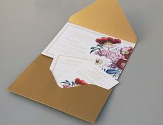 I like how there's a little envelope pocket. We can print these out, as it's a printable template.