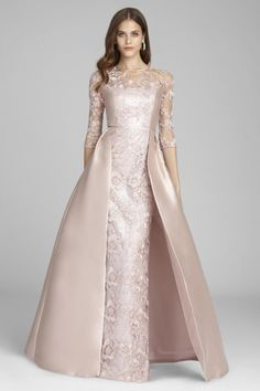 Shop for Teri Jon lace dresses amongst our cocktail dresses and evening gowns. Lace is elegant and timeless, perfect for a mother of the bride or groom dress. Rose Gold Gown, Rose Gold Wedding Dress, Gold Lace Dresses, Colored Wedding Dresses, Elegant Dresses, Gala Dresses, Ball Gown Dresses, Bride Dresses, Beautiful Evening Gowns