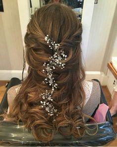 Bridal Braids, Bridal Hair Vine, Loose Hairstyles, Bride Hairstyles, Updo Hairstyle, Hairstyle Ideas, Unique Wedding Hairstyles, Headpiece Wedding, Wedding Updo