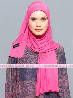 Abbigliameto Halal Islamico Negozio Online  #islamic #hijab #modest #fashion product  Jersey Combed Cotton Shawl - Fuchsia - Rabia Z - Fabric Info:  100% Combed Cotton    Weight: 0.226 kg  Sizes:  Width: 75 cm  Height: 200 cm - SKU: 200474. Buy now at http://muslimas-shop.com/jersey-combed-cotton-shawl-fuchsia-rabia-z200474.html