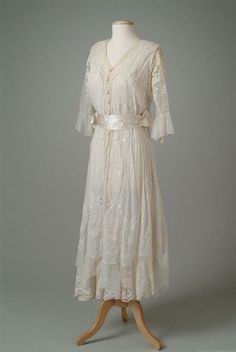 A delicate embroidered cotton summer dress from 1916. Simply lovely.